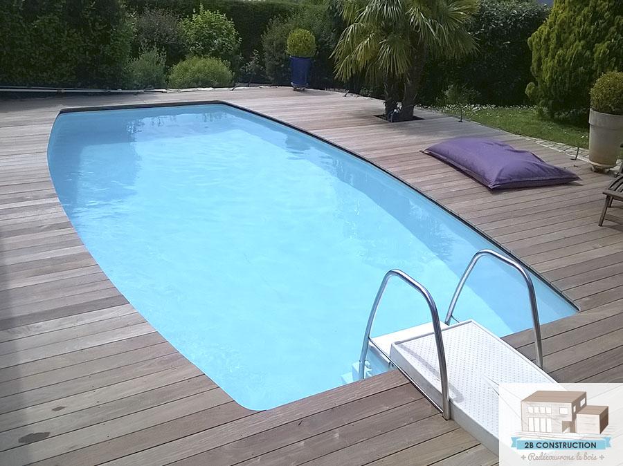 terrasse de piscine excellent terrasse de piscine with terrasse de piscine terrasse ralise par. Black Bedroom Furniture Sets. Home Design Ideas