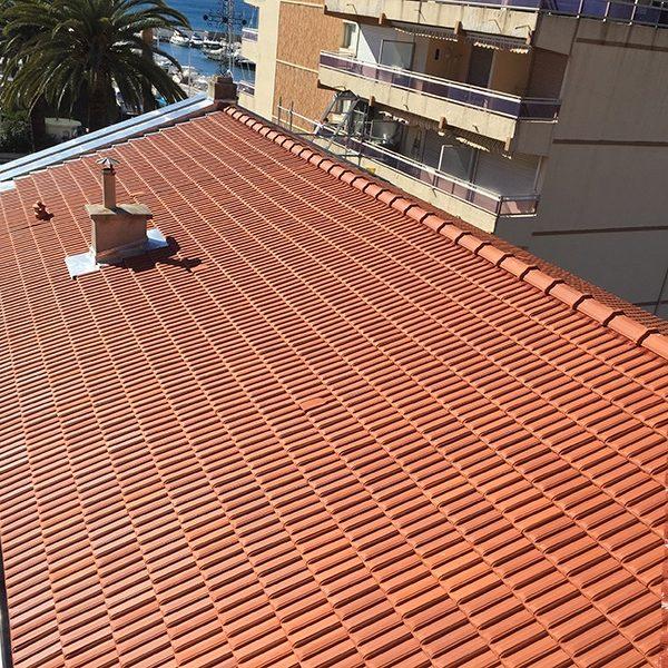 Couverture toit tuiles