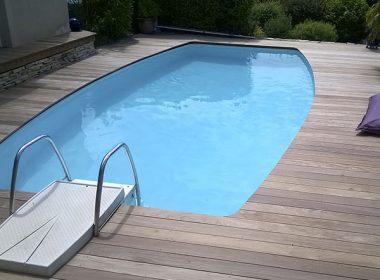 Construction terrasse bois piscine