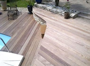 Aménagement terrasse bois design piscine