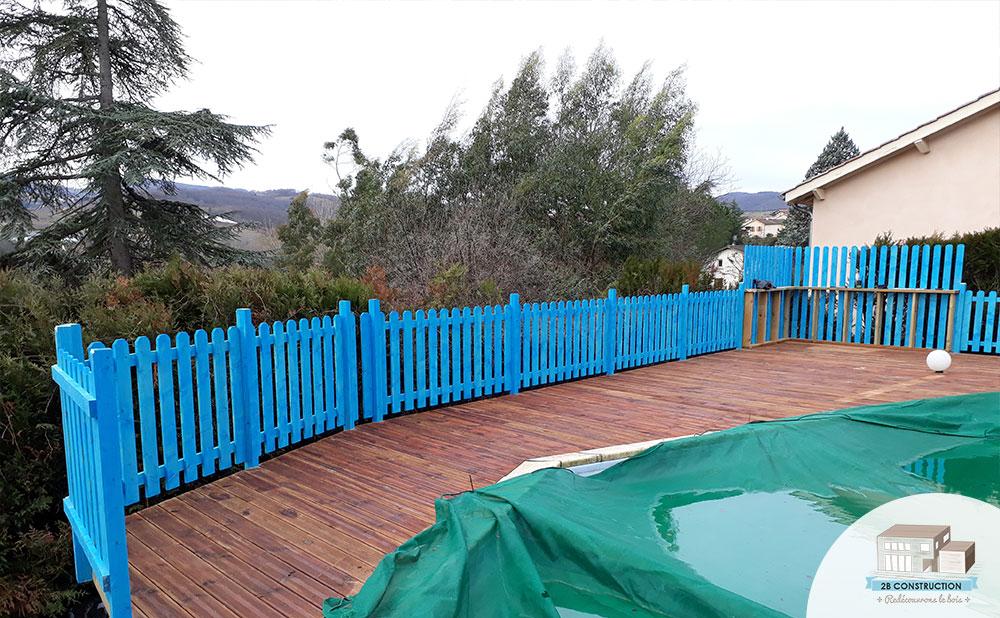 construction d 39 une terrasse autour d 39 une piscine sur un. Black Bedroom Furniture Sets. Home Design Ideas